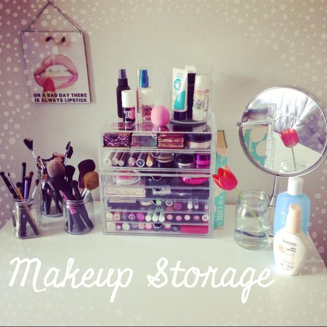 Makeup Storage: Muji