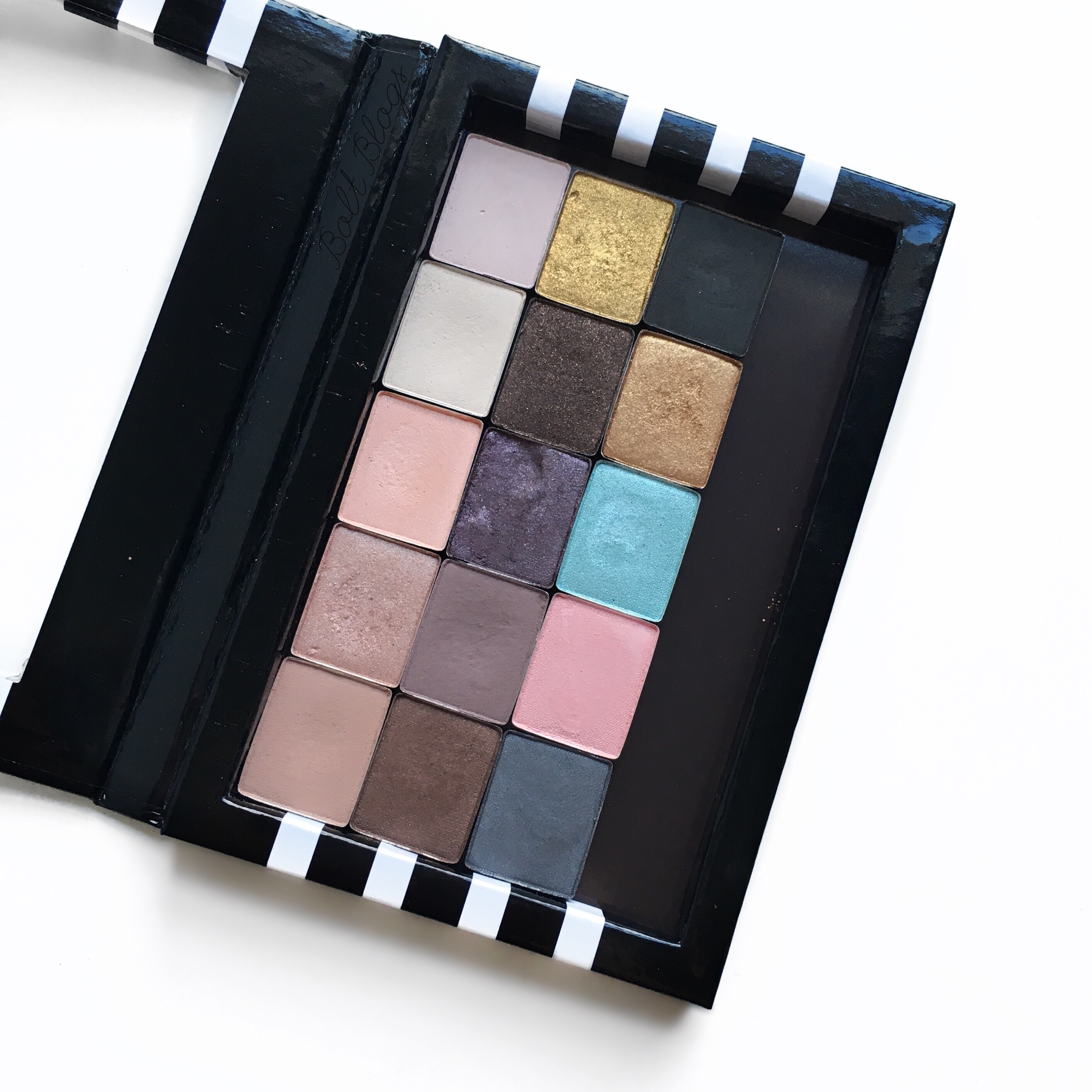 Sephora Z Palette Depotting | Bolt Blogs