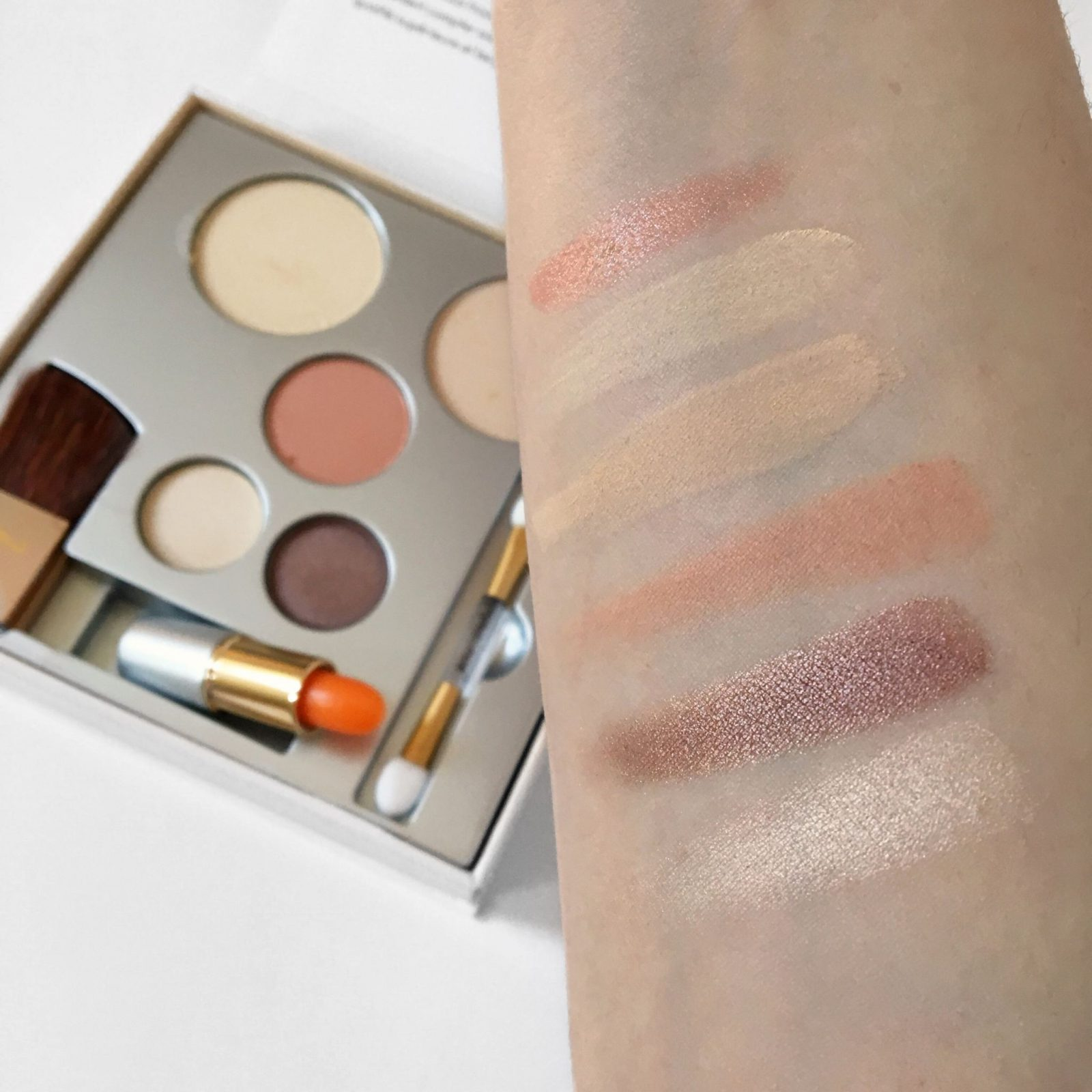 Jane Iredale #PureSimpleYou Makeup Kit Review