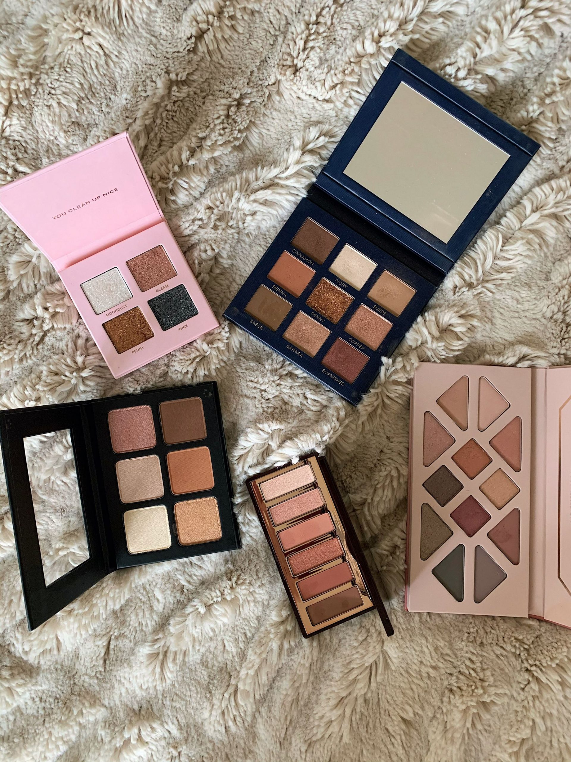 Bolt_Blogs_Makeup_Collection_Eyeshadow